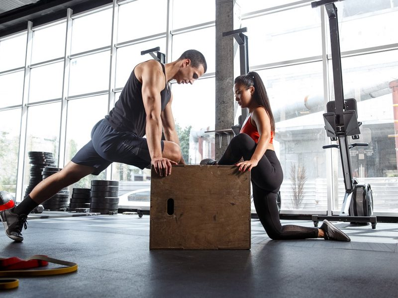 a-muscular-athletes-doing-workout-at-the-gym-5ZJN34W-min.jpg